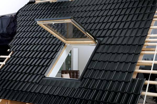 VELUX Dachfenster GTL 3070 Holz Wohn- und Ausstiegsfenster klar lackiert THERMO Aluminium