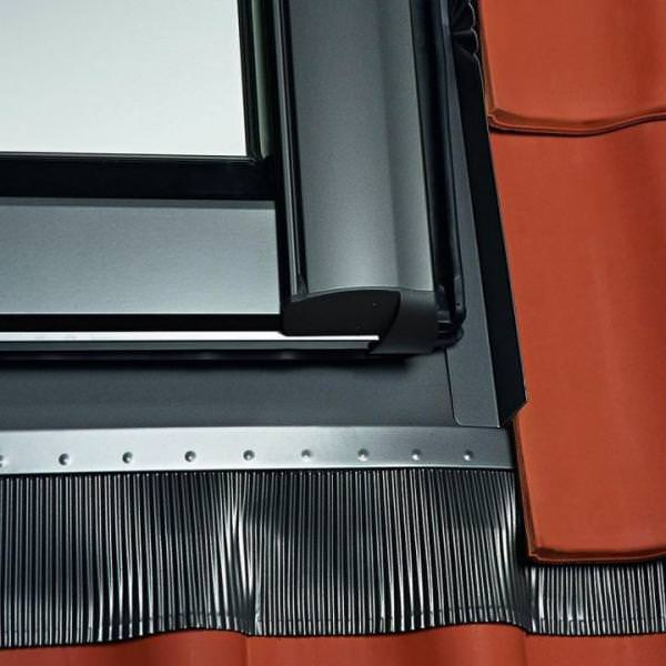 Roto ESR R8 Designo Austausch-Eindeckrahmen Pfannen- oder Ziegeleindeckung Aluminium