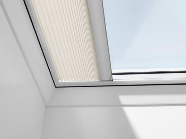 VELUX FMG Faltstore elektrisch für Flachdachfenster