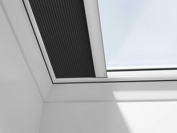 VELUX FMK Wabenplissee elektrisch für Flachdachfenster Schwarz