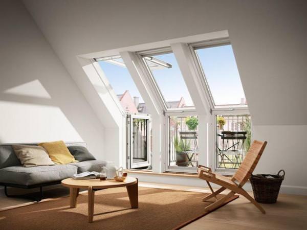 VELUX Dachfenster VEC 3165 Holz Dachbalkon unten fest klar lackiert ENERGIE PLUS Kupfer