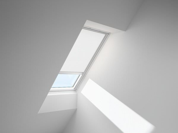 velux rsl sichtschutz rollo solar. Black Bedroom Furniture Sets. Home Design Ideas